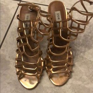 Copper cage heel